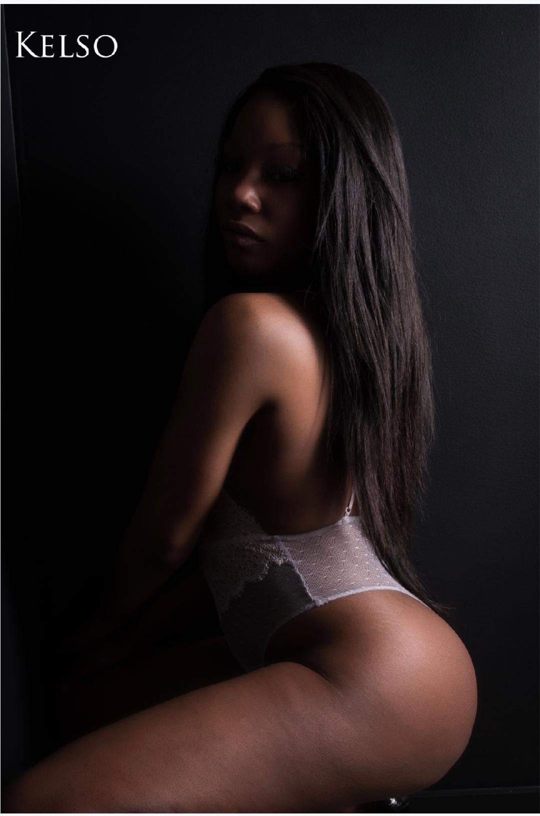 4 HOT GIRLS AVAILABLE ! (MASSAGE 514)