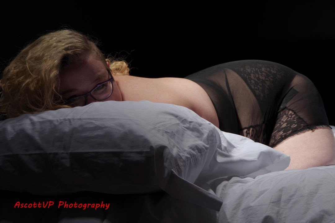 Submissive Seeking Play